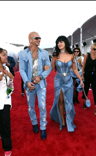 Katy Perry in Denim Versace, I get that this is a joking throwback to Britney & Justin, but is it really that funny? I dunno.