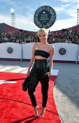 Miley Cyrus in Alenxadre Vauthier, she's finally figuring out how to to do high end edgy without hitting trashy and we're totally loving it.